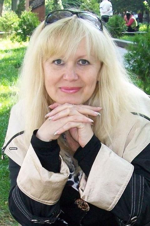 ... schöne Frau aus Kharkiv auf Partnersuche - Partnervermittlung Ukraine