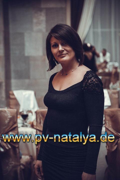 Eine Frau auf Partnersuche durch unsere Partnervermittlung: Vita(42 ...