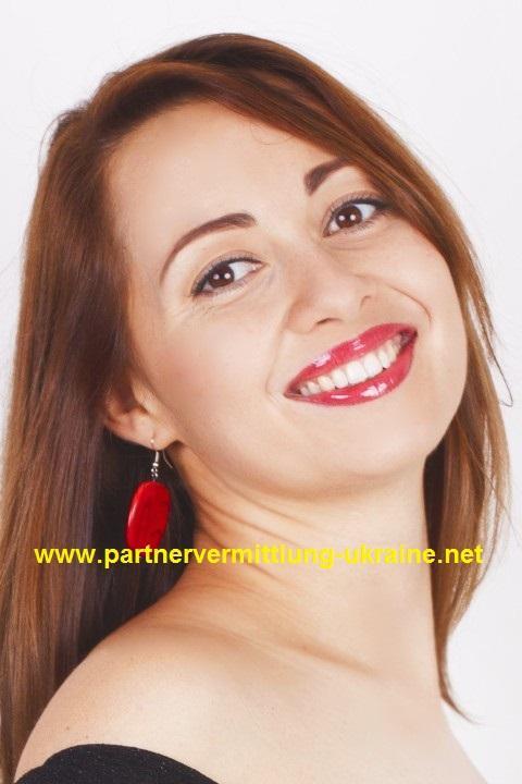 Eine Frau auf Partnersuche durch unsere Partnervermittlung: Anna(30 ...