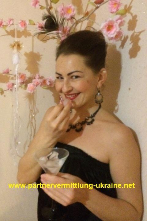 Partnervermittlung: Alla (40), eine attraktive Dame aus Rivne auf ...