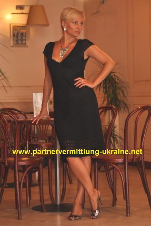 partnervermittlung irina 48 eine attraktive dame aus. Black Bedroom Furniture Sets. Home Design Ideas