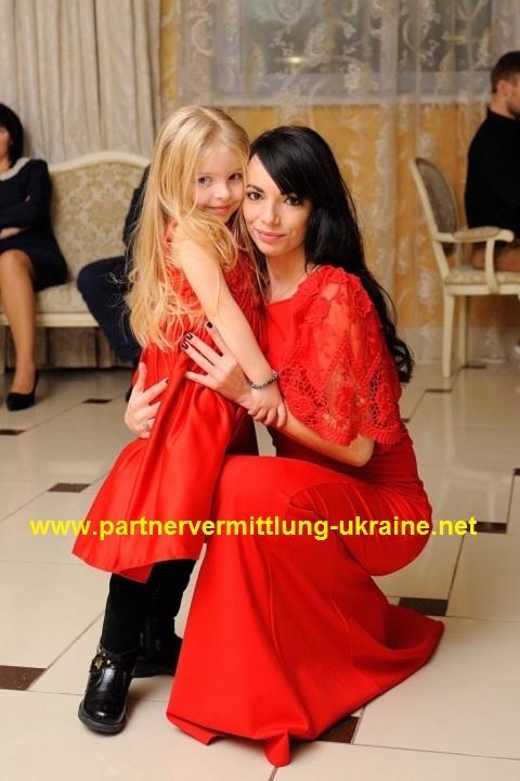 Weitere Frauen unserer Partnervermittlung Neben Marta suchen auch die ...