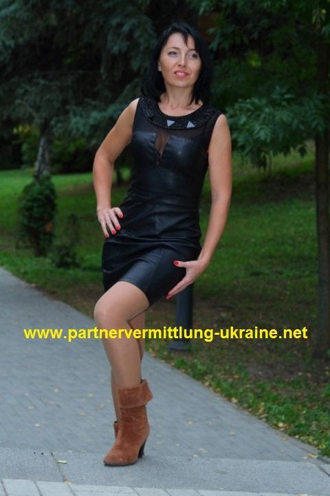 wohlhabende Frauen treffen-mit der Traumfrau ein Luxusleben genießen ...