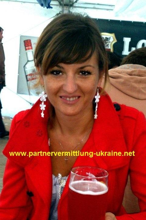 Eine Frau auf Partnersuche durch unsere Partnervermittlung: Olga(30 ...