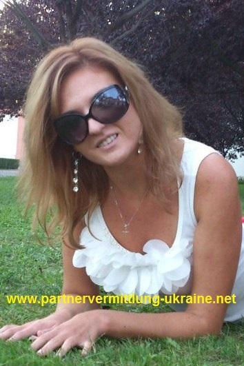... Frau aus der Ukraine, über unsere Partnervermittlung kennenlernen