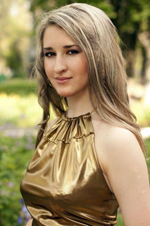 Kennenlernen: 10 Fragen an Younee - amicella